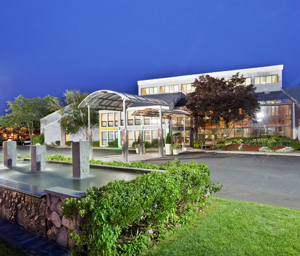 Holiday Inn Hyannis 300.jpg